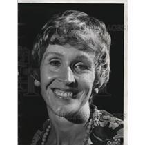 1974 Press Photo Gail Larson talks to Wide World of Women, Wisconsin - mja48077