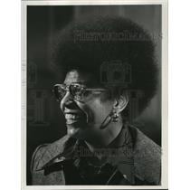 1974 Press Photo Lauri Wynn at the Marc Plaza Hotel Wednesday - mja48329