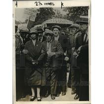 1927 Press Photo Group of demonstrators shown protesting in Paris - nec00247