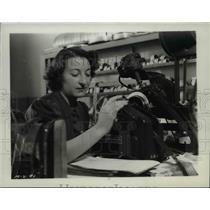 1938 Press Photo Barbara McLean, 20th Century Fox Film cutter - nef34467
