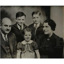 1938 Press Photo Gerald Burton Winrod & Family of Wichita, Kansas - nef34475