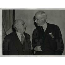1938 Press Photo Norman Thomas Greets Joseph Caldwell at Socialist Party Meeting