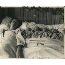 1923 Press Photo Mrs. George L. Wittig with her four one-day old quadruplets