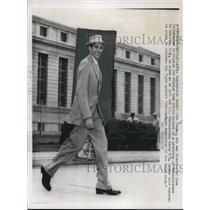 1958 Press Photo John Casper Leaving U.S. Penitentiary, Atlanta - nef44563