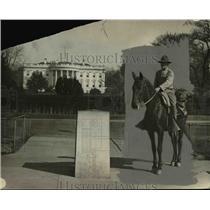1925 Press Photo Frank M. Heath at White House During 18,000 Mile Horseback Trip
