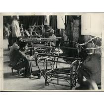 1927 Press Photo Bilibid Prisoners Make Furniture at Factory on Philippine Priso