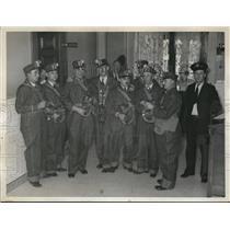 1935 Press Photo Guards to Enter Kansas Prison Mine After Riot - nef47646
