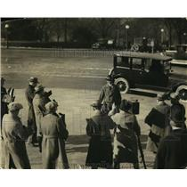 1924 Press Photo William McAdoo Arriving at Senate Office Building to Testify