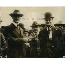 1917 Press Photo William Gibbs McAdoo Sells First Bond to Joseph A.A. Burnquist