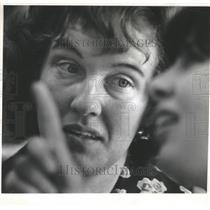 1974 Press Photo Joyce Osternig, Oregon's Teacher of the Year, 1975 - oro19763