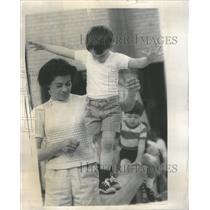 1968 Swimming lessons - RRU68071