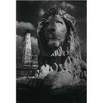 1978 Press Photo Decorative Lion On Bridge In Lake Park - mja42484