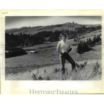 1979 Press Photo Dr. R.G. Williams stans on proposed site of Wedderburn Ranch