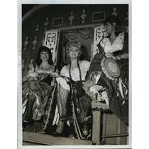 1966 Press Photo Zsa Zsa Gabor guset stars on F Troop  on ABC - lfx03278