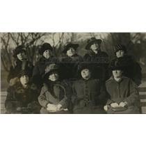 "1919 Press Photo Women's Italian Club ""Kits for Italian Soldiers"" Members"