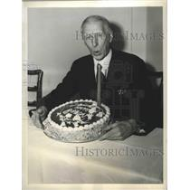 1943 Press Photo Connie Mack of Philadelphia A's celebrates his 81st Birthday