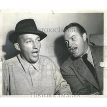 "1950 Press Photo Bing Crosby and Bob Hope on the ""Bing Crosby Show"" - mjx24124"
