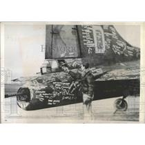 """1944 Press Photo Famous Flying Fortress """"Hell's Angel's"""" Heads for the U.S."""
