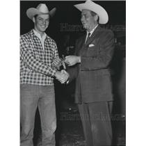 1959 Press Photo Norman Goree accepts trophy at Bronc Riding Diamond Spur