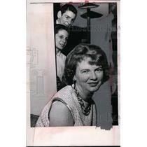 1967 Press Photo Kathleen Spuhler winner of Spot the Ball contest in Cleveland O