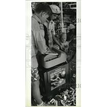 1969 Press Photo Boy Scouts shred cigarettes at Shadle Park Pharmacy - spa41433