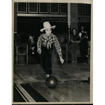 1936 Press Photo Bowler Billie Drewry - neo00534