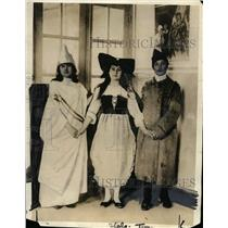 1919 Press Photo Girls of YWCA Foyer des Alliees ag Bigarelles, Bourges France
