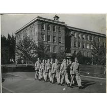 1943 Press Photo Air corp men marching to classes - spa38404