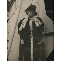 Press Photo Countess of Warwick Arrives in New York for Socialist Lectures
