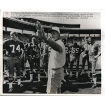 1971 Press Photo Cowboys coach Tom Landry & team practice for Super bowl