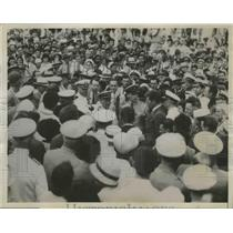 1934 Press Photo Honolulu Residents Greet Naval Flyers Landing in Pearl Harbor