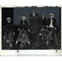 1972 Press Photo Mini Bike Riders Surround Dan Mosee At Park Dedication