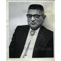 1971 Press Photo Grant Waheneka retired as chairman of Confederation