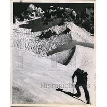 1962 Press Photo Mazamas have scheduled climbing school for novices - ora96047