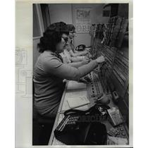 1974 Press Photo Gertrude Parker(foreground) senior telephone operator