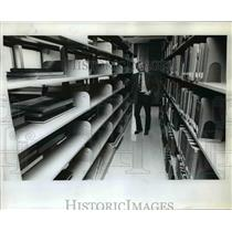 1973 Press Photo Portland State University-emty library book shelves - orb46580