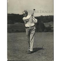 1923 Press Photo Judge Oscar Bland golfs at Congressional club in Washington DC
