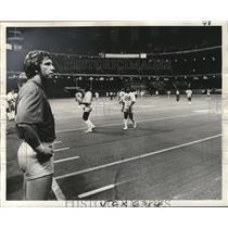 1975 Press Photo New Orleans Saints - Quarterback Archie Manning at Superdome.