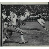 1968 Press Photo New Orleans Saints-Minnesota HB Clint Joes is cornered.