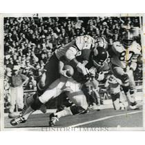 1971 Press Photo New Orleans Saints- Saints Joe Owens breaks through.