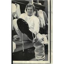 1972 Press Photo Football- Steve Spurrier 49 er QB- the show fits. - nos00894