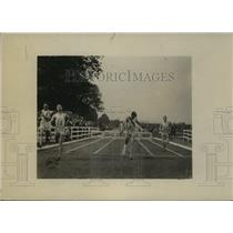 1919 Press Photo Lt Earl Renick wins 220 yard race for U of Missouri - net34117
