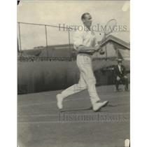 1921 Press Photo JO Anderson in action on a tennis court - net32679