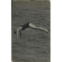 1918 Press Photo swimmer W. L. Wallen - net33553