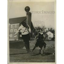 1928 Press Photo Smith College girls during soccer practice - net31418