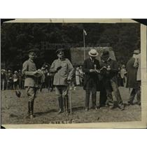 1920 Press Photo Field Marshal von Hindenburg with son at a horse show