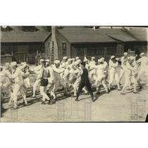 1918 Press Photo Naval sailors at play in games at Great Lakes base - net31288