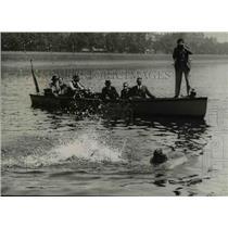 1937 Press Photo Norman Johnson Crossing Thames River on Rubber Mattress