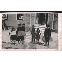 1917 Press Photo child refugees food Relief Committee - RRY33037