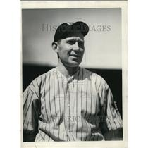 1934 Press Photo Eddie Moore of the Cleveland Indians - orc05144